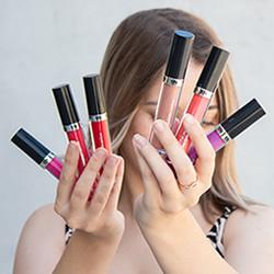 Ultra Shine Lip Gloss Thader TH Pharma en DisfrutaBox HOLI
